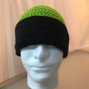 Green and black skully